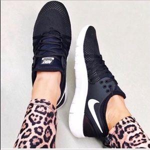 Nike black training sneakers